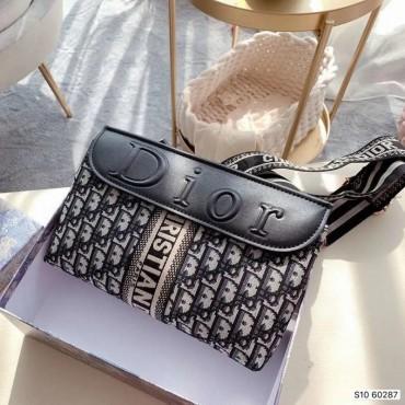 韓国風dior ディオールミニバッグ斜めかけショルダーバッグレディース 2020新作レディース バッグ カバン かわいい通勤旅行デートプレゼントに 韓国ファッション