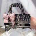 DIOR  オブリークブックトートミニバッグ 高級偽バッグ激安 BOOK TOTE 民族風キャンバス バッグ プレゼント 入手困難