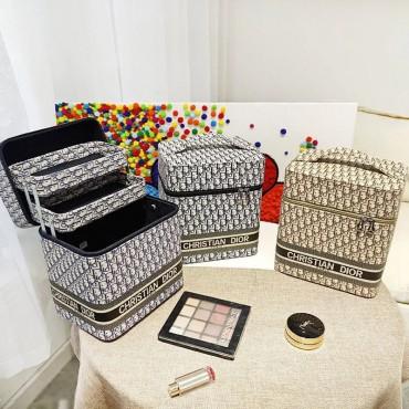 Christian Dior ディオール 化粧品ポーチ クリスチャン ブランド バニティケース ディオール オブリーク 軽い 刺繍 プレゼント 韓国 ファッション レディース