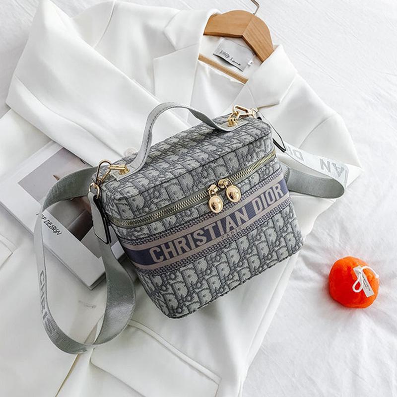 Christian Dior クリスチャンディオール バニティケース